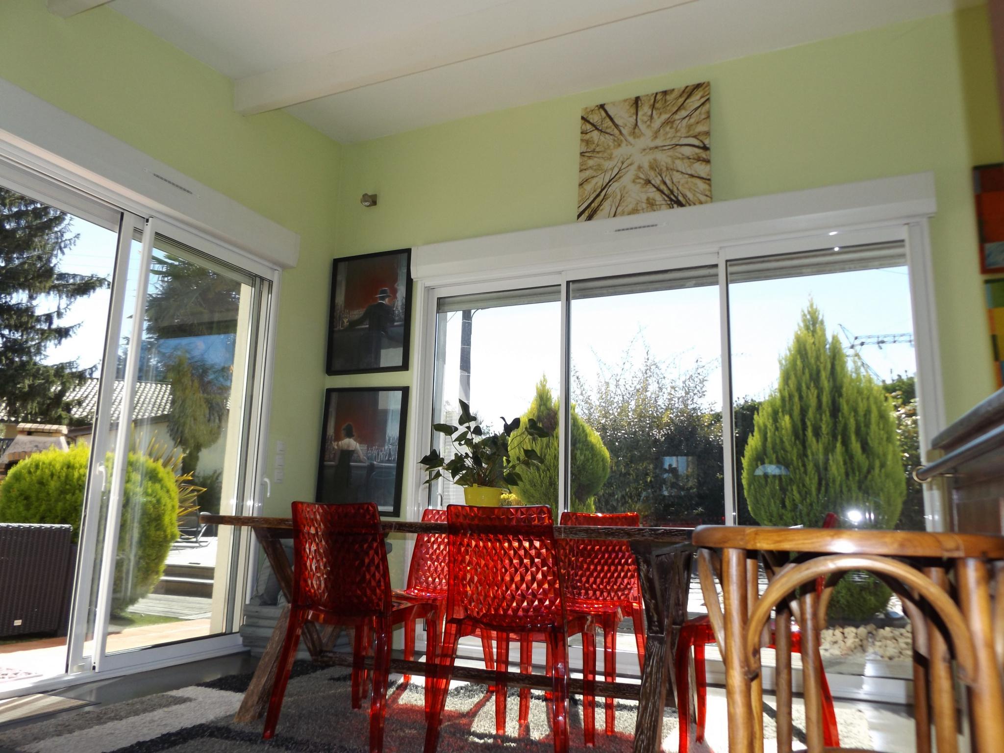vente maison sans travaux avec piscine. Black Bedroom Furniture Sets. Home Design Ideas
